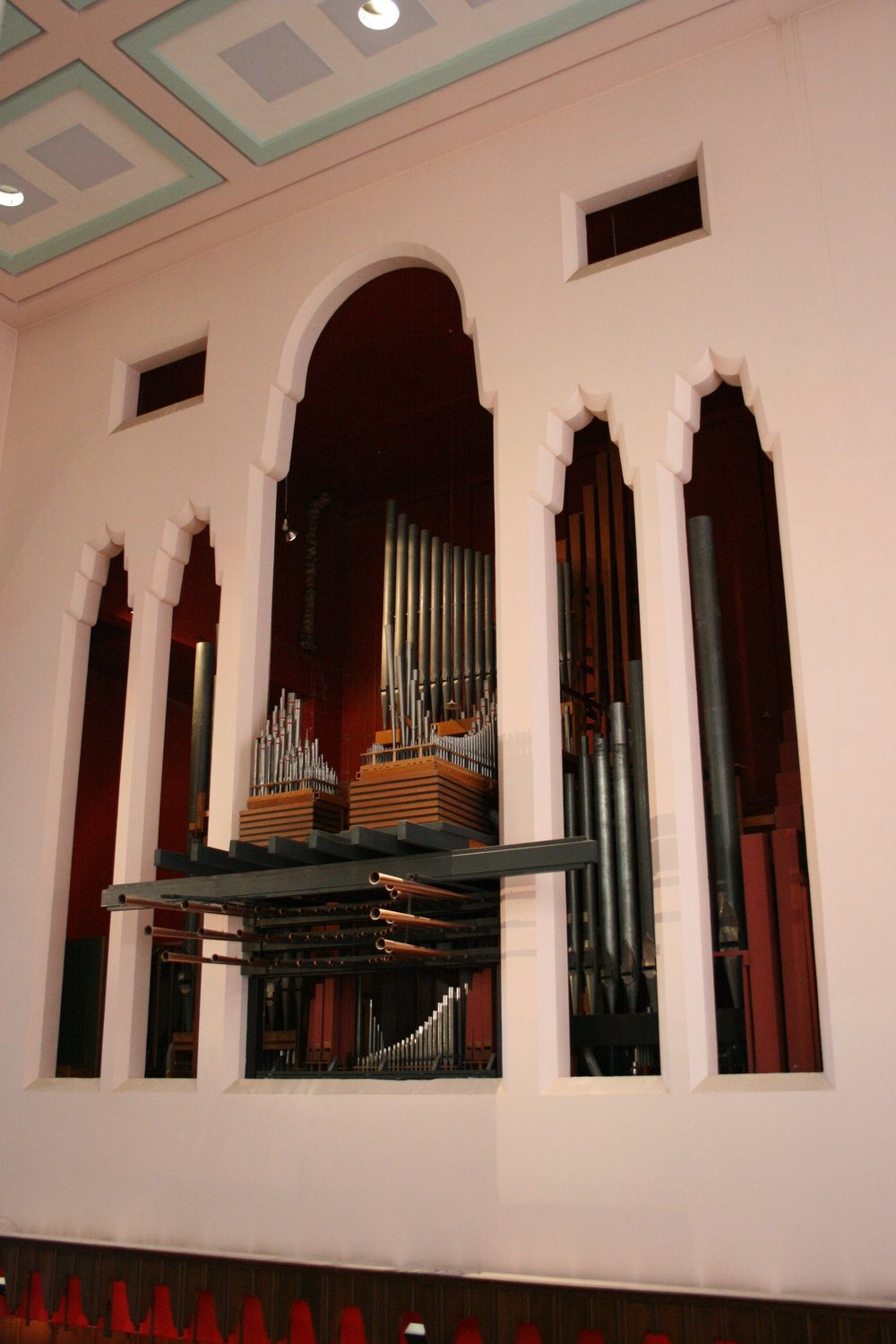 The organ prior to the earthquake