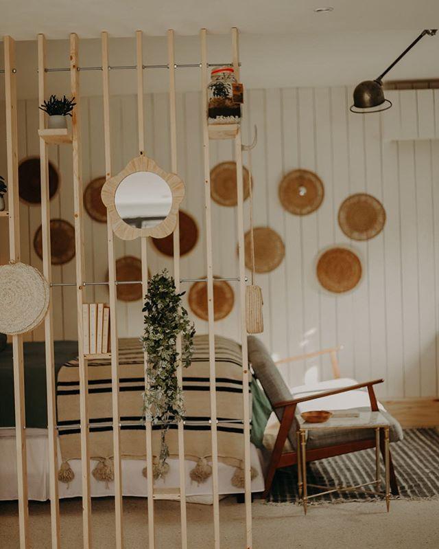 Bedroom 💤 #decorationinterieur #lapinede #marseille #guesthouse #familytime #summer2018 #summervibes #southoffrance #happyplace #weekendgateaway #beautifuldestinations 📷 @maelysizzo