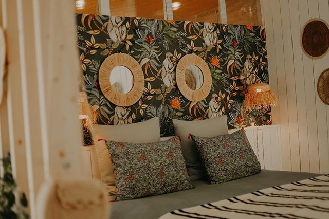 Belle semaine ☀️ et bravo à la France 🇫🇷 #guesthouse #marseille #familytime #france #bedroom #happyplace #goodweek 📷 @maelysizzo