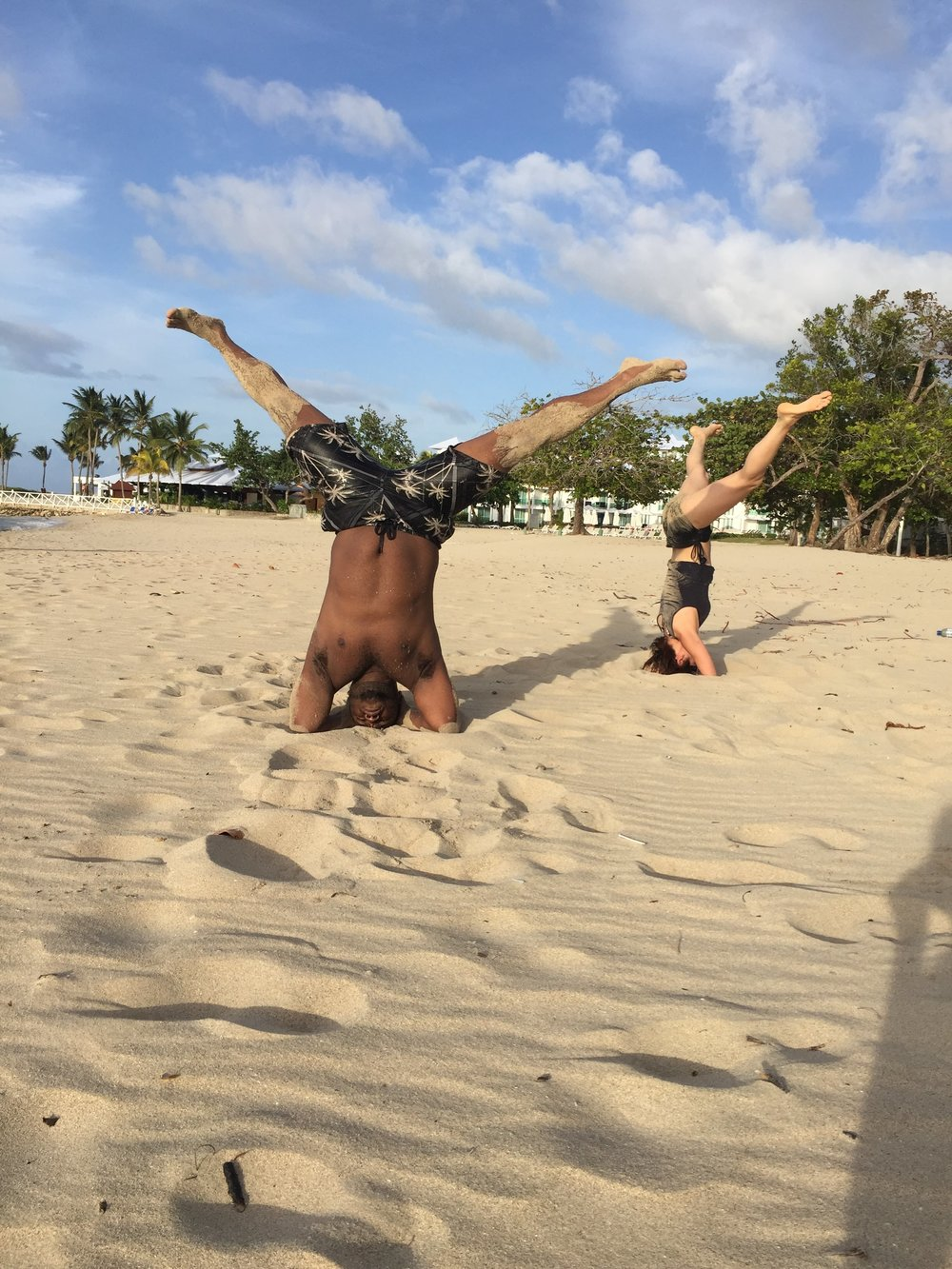 B.O.L. Playa- Headstand wide leg Kuni & Roque.JPG