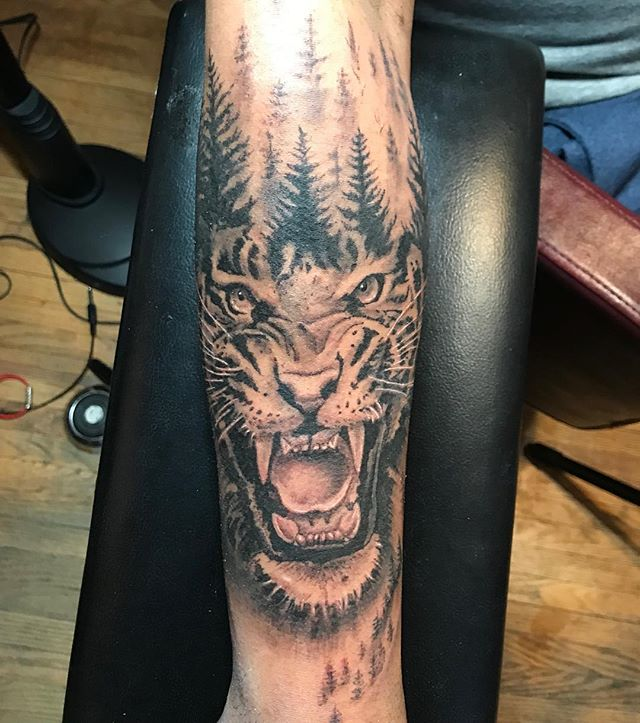I love wildlife pieces. #tattoo #wildlifeartist #wildlifetattoo #torontotattoos #toronto #torontotattooartist #freshink #inkedmag