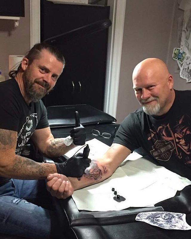 Good day of tattooing with Steve Fleming. #freshink #torontotattoos #torontoartists #tattoostoronto #tattoo #wolftattoo