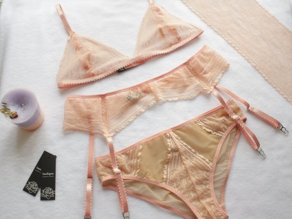 Peach lingerie set - with stockings gloves and a headband, we could make this so 1920s that it almost hurts (so good).