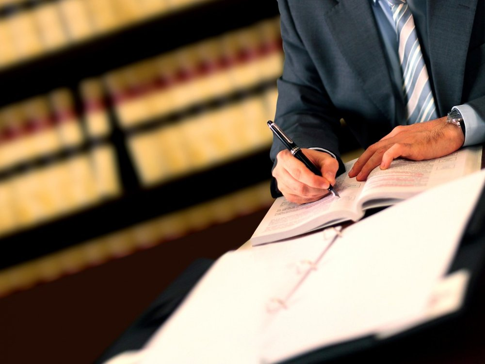 Lawyer-28394507.jpg