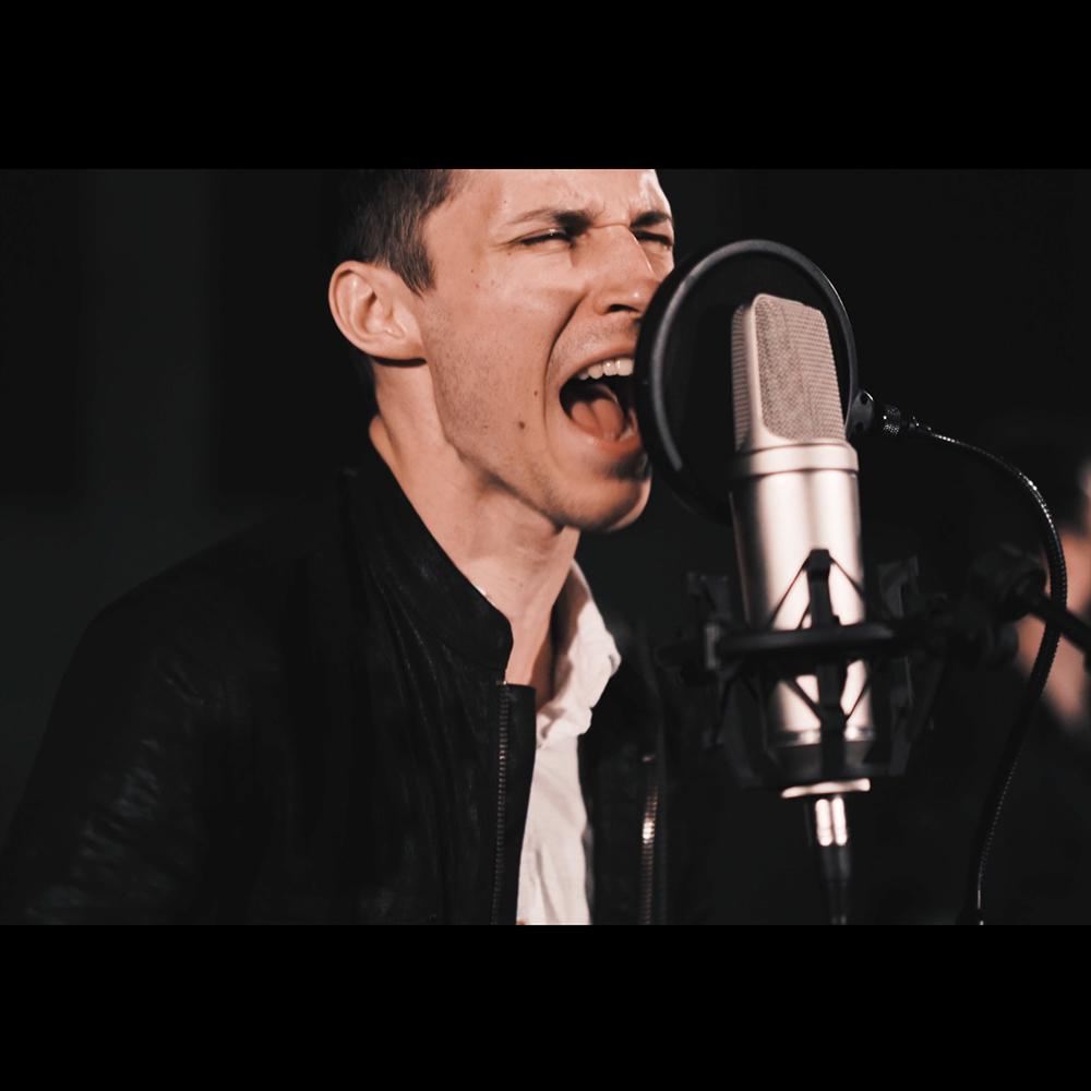 Nikko Pisciotti - Vocals