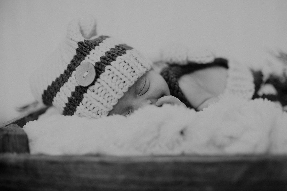 Newborn 14 (1 of 1).jpg