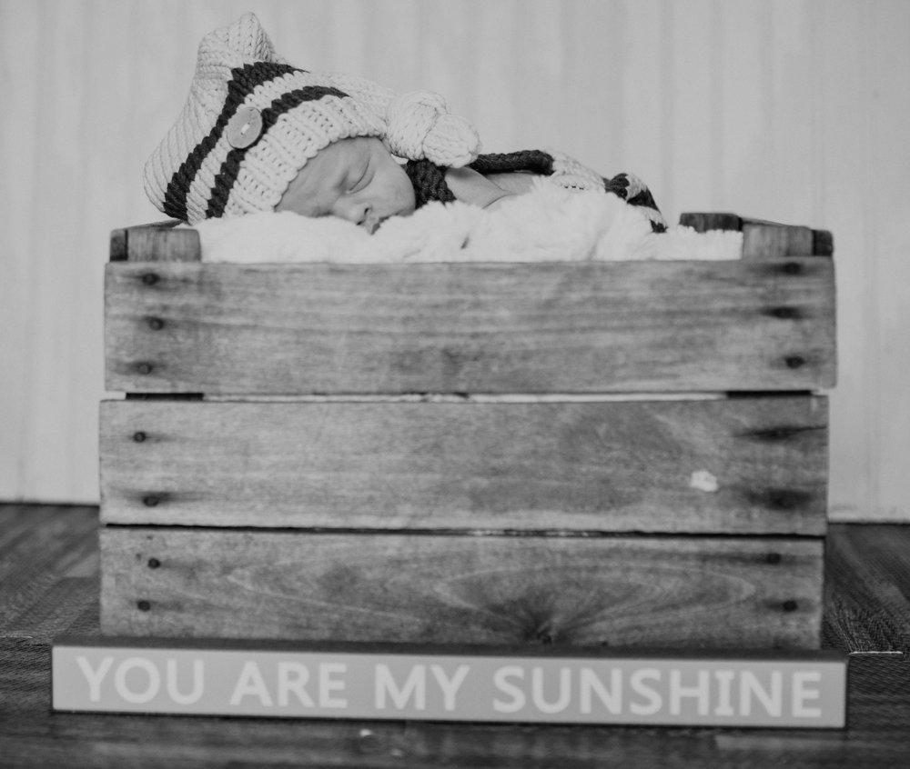 Newborn 19 (1 of 1).jpg