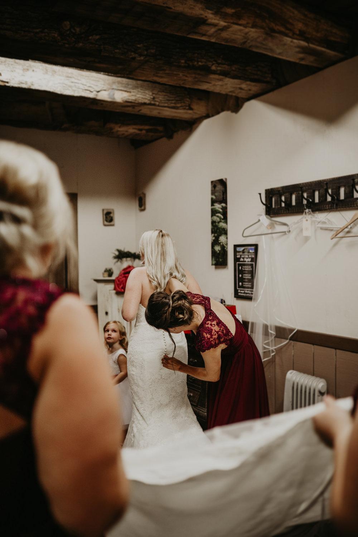 Caitlin + Dan Wedding 5 (1 of 1).jpg