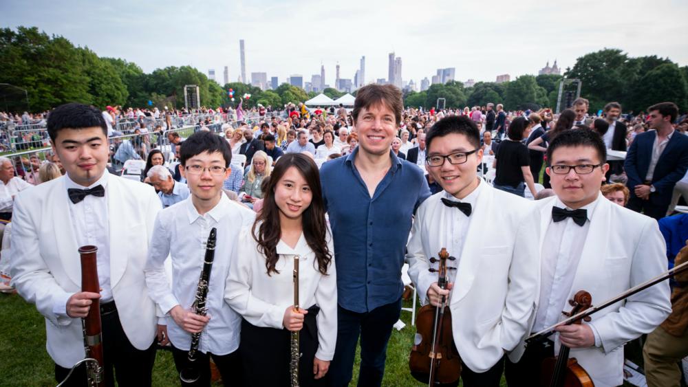 (L to R) Sihong Zhao, Yanru Chiu, Fangyu Huang, Joshua Bell, Renchao Yu, and   Kuan Liu \Credit: Chris Lee