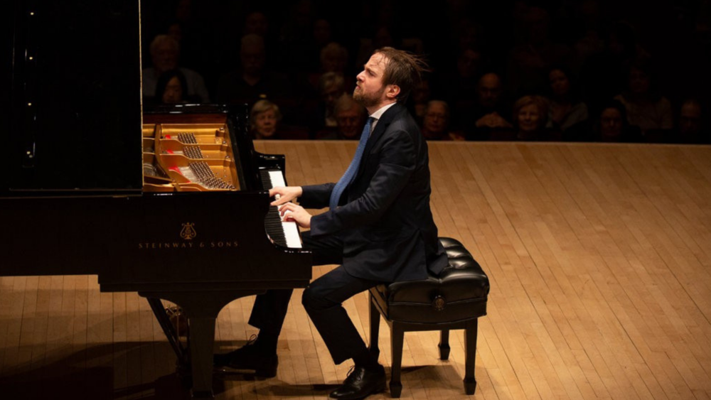 Daniil Trifonov performing at Carnegie Hall. Photo credit: Caitlin Ochs for  The New York Times
