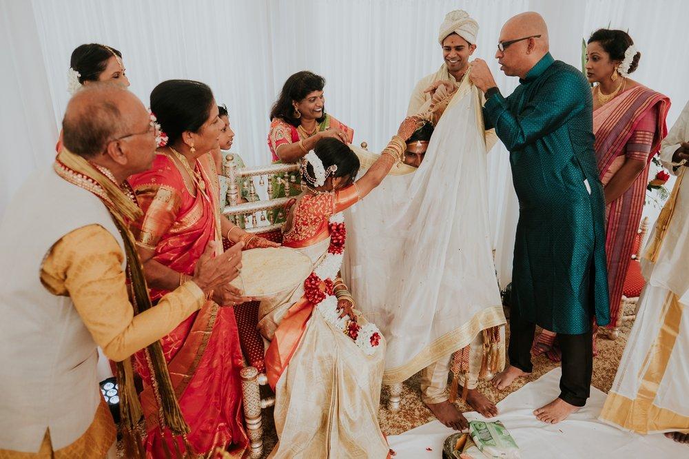 brahman&priyanka0533a_Byron-Bay-Weddingb.jpg