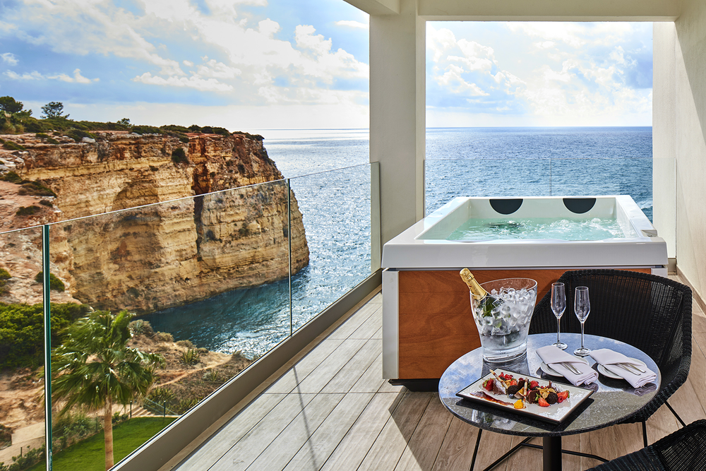 Tivoli Spa overlooks the dramatic Atlantic Ocean.