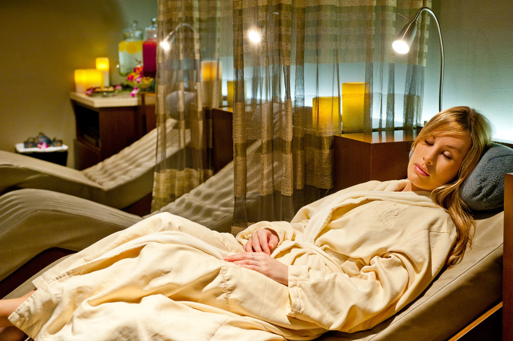 Guest relaxing in the relaxation lounge at the Mandarin Oriental, Miami