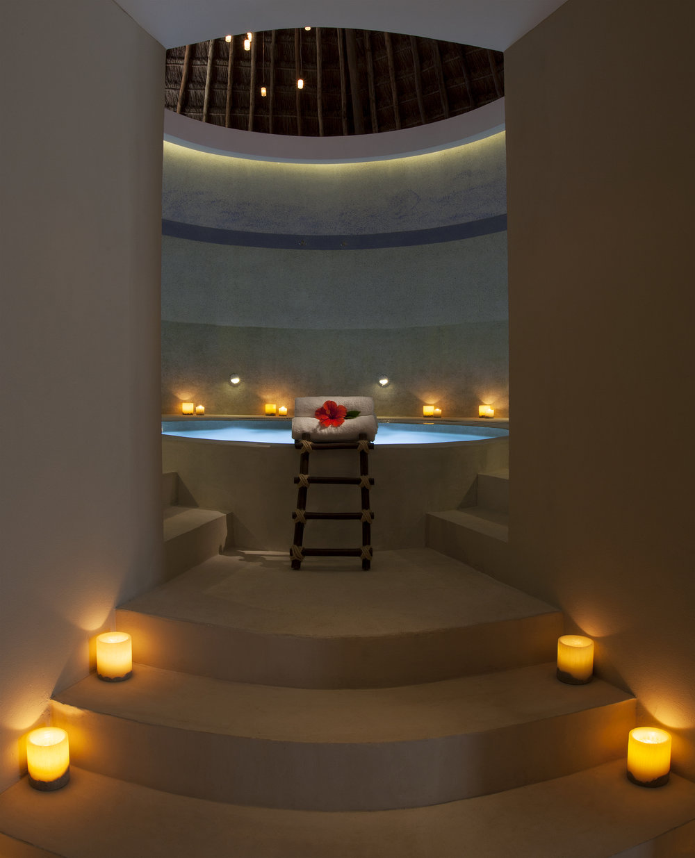 Spa whirlpool at Revive Spa.