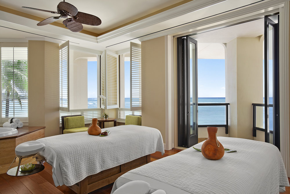 Couples treatment suites come with private oceanfront lanais and whirlpool tubs.