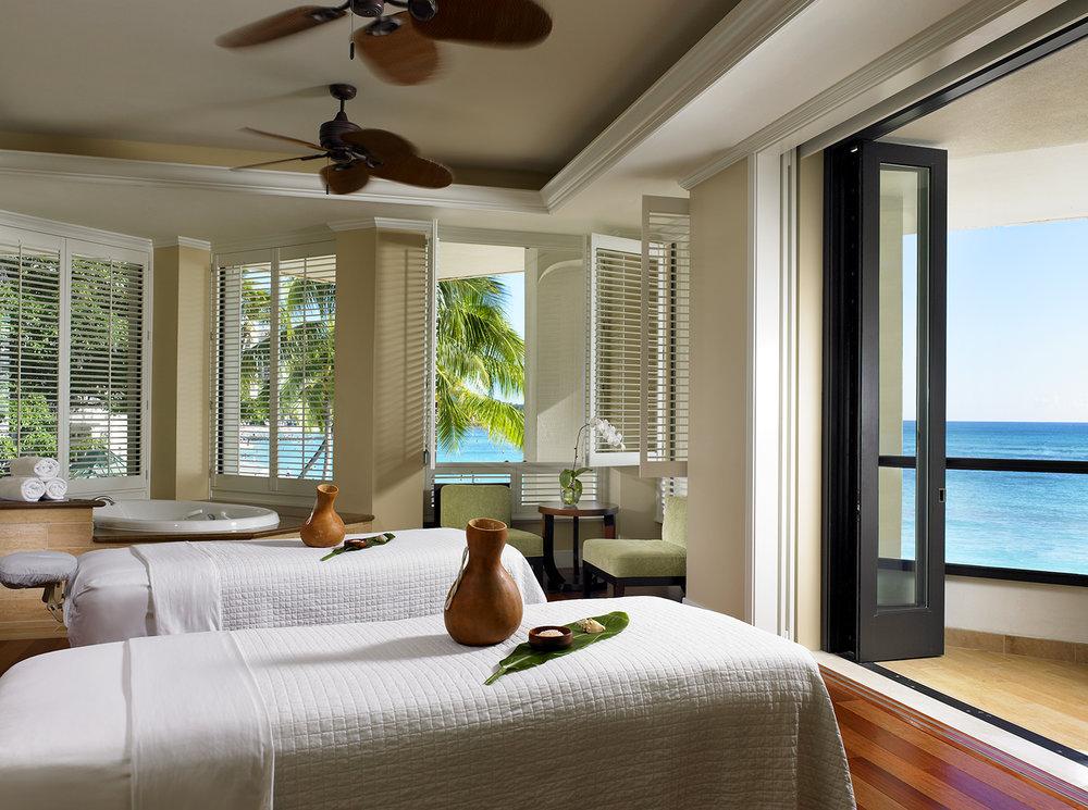 Moana Lani Spa has 9 custom massage therapy rooms and 3 custom facial rooms.