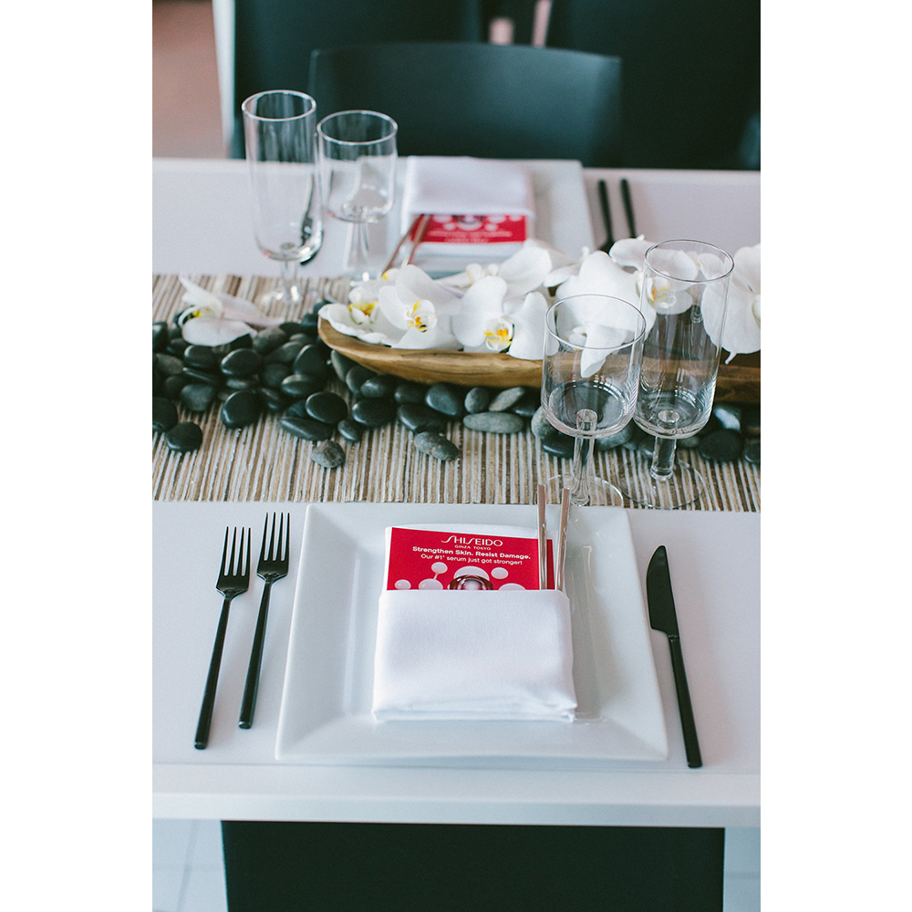 Guests enjoyed delicious bento box dinners and sake martinis at the Shiseido Ultimune launch party.