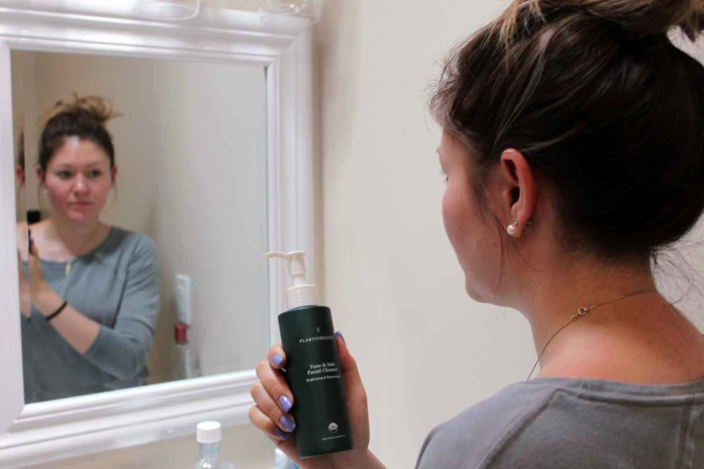 Tara Palty tries Plantioxidants Rejuvenating Cleanser and Brightening Treatment.