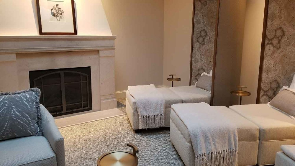 The elegant women's relaxation lounge at Spa Montage.