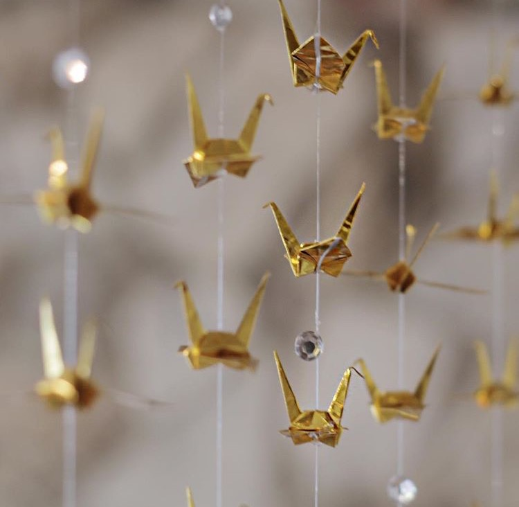 Japanese Origami Cranes [Image courtesy of @ bellaruevents ]