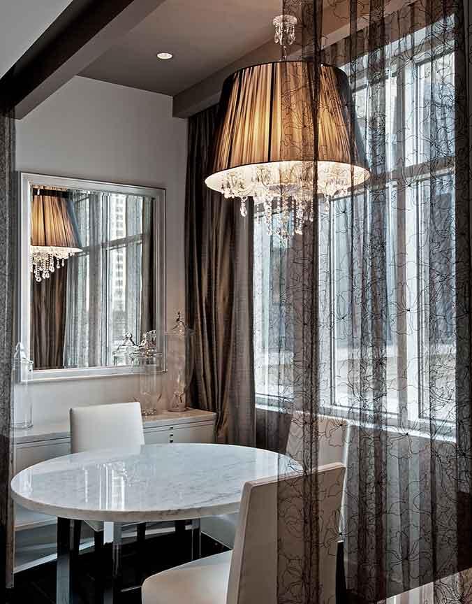 Beauty-Salon-Waldorf-Astoria-Chicago.jpg