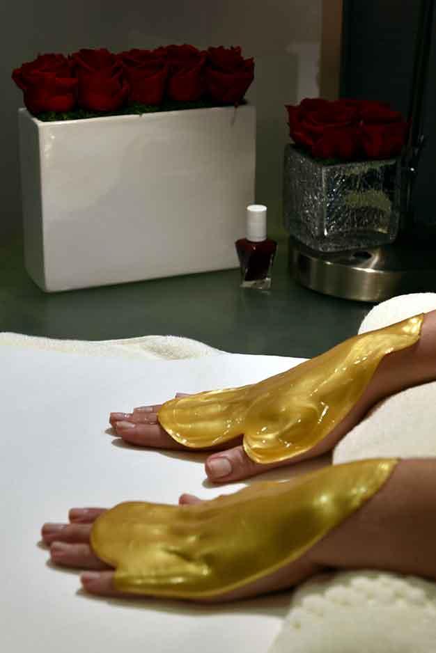 Gold-Manicure-Waldorf-Astoria-Chicago.jpg
