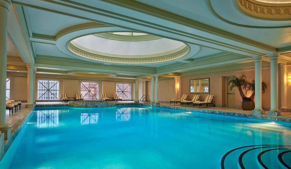 The iconic Four Seasons Chicago pool.