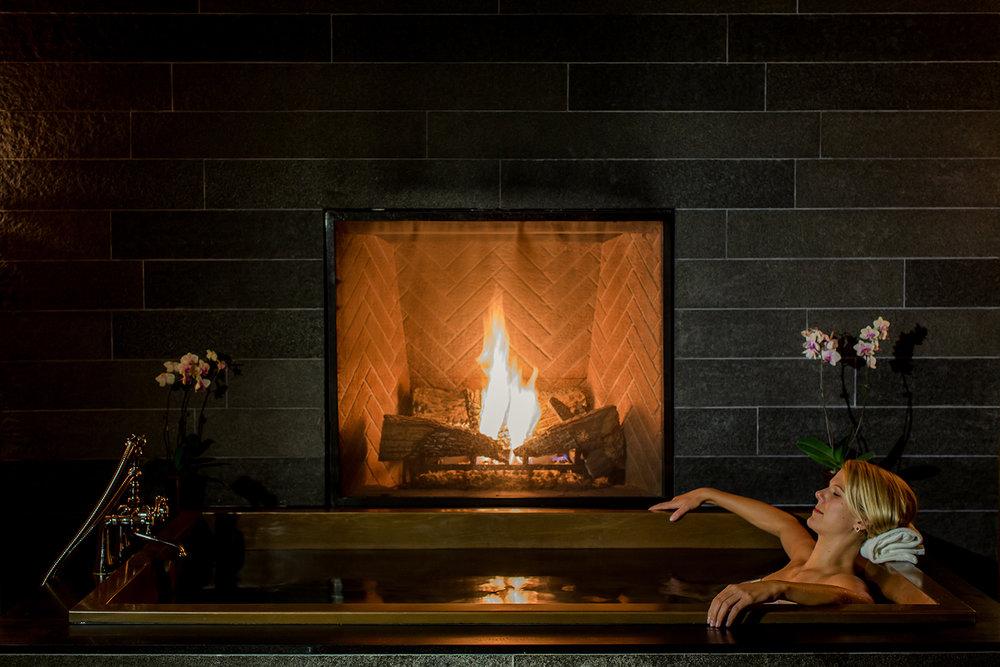 tub fireplace.jpg