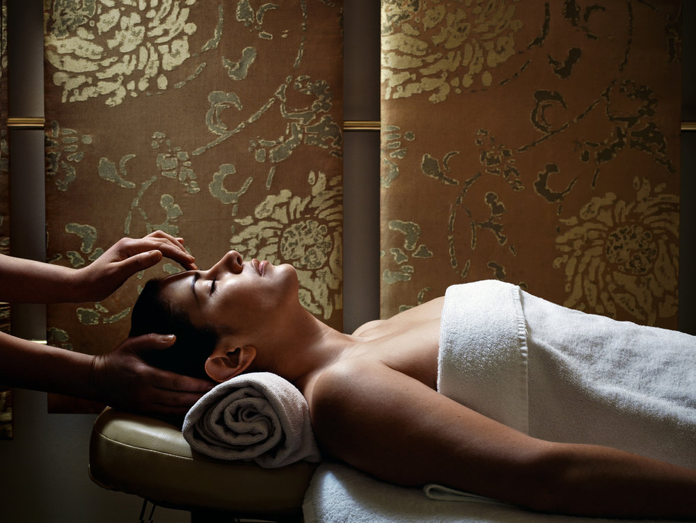 Get into the spirit of the season with a holiday-inspired spa treatment. [Image courtesy of Chuan Spa at Langham Pasadena]