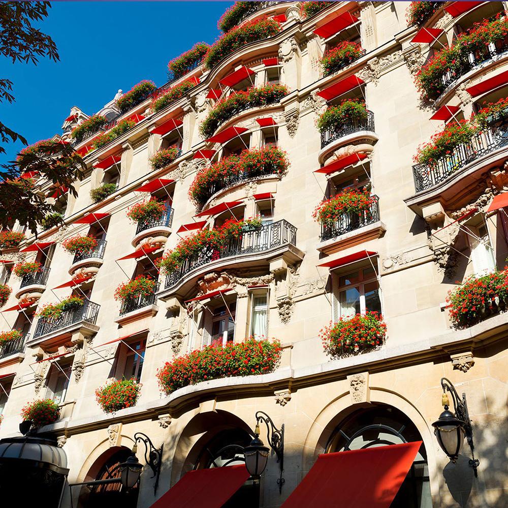 Hotel Plaza Athenee.