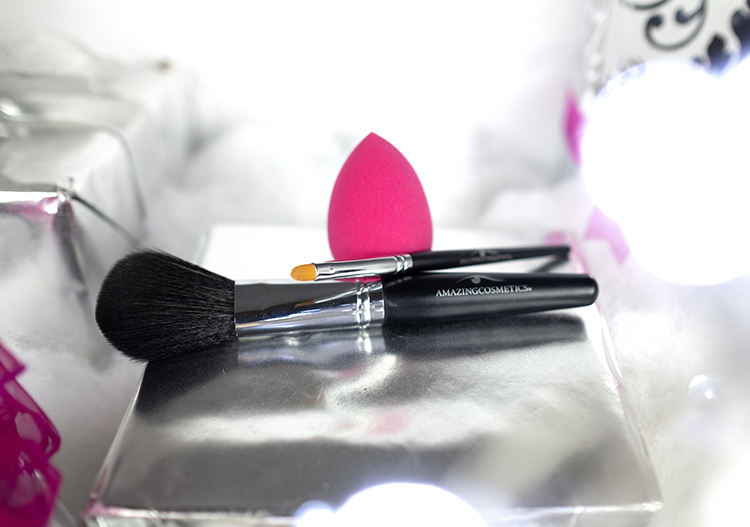 Amazing Cosmetics brushes.jpg