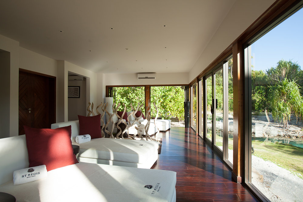 The Relaxation Room offers open-air views of the private lagoonarium.