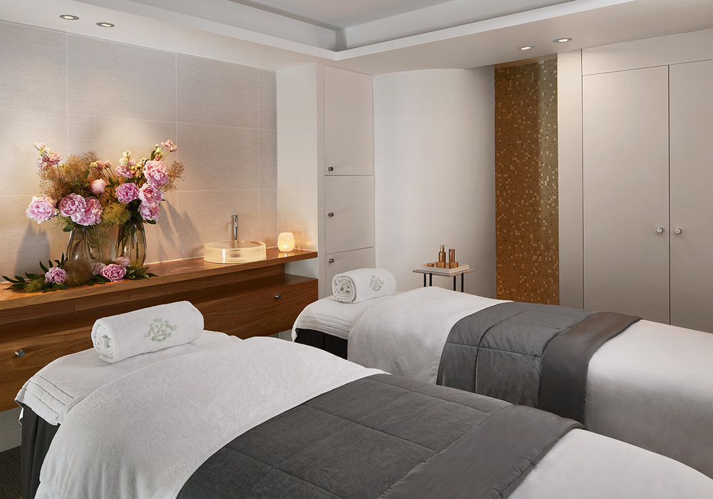 A couples' treatment room.