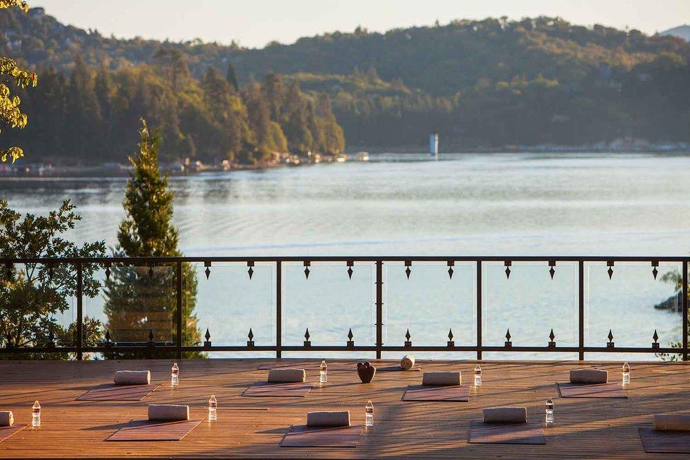Lake-Arrowhead-Resort_Morning-Lakeside-Yoga-2.jpg