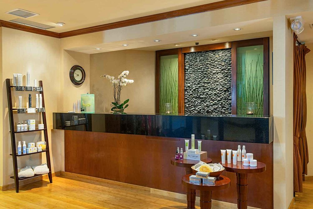 Lake-Arrowhead-Resort_Spa-Front-Desk.jpg