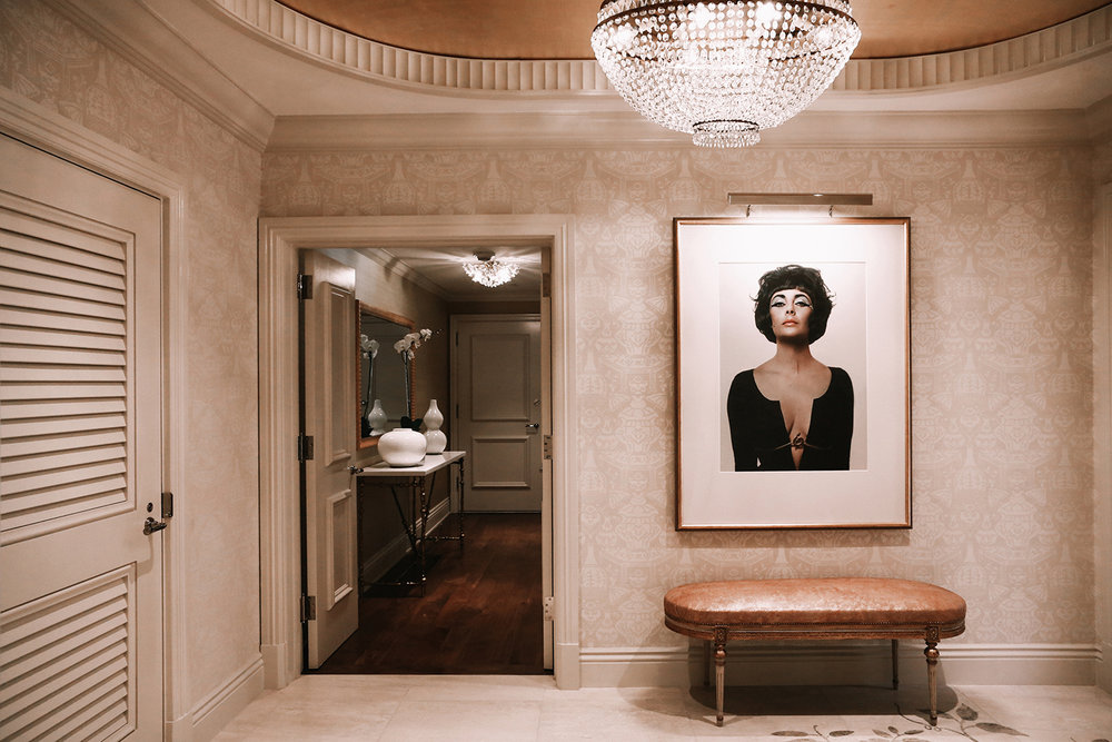 Bungalow 5's design is reflective of Elizabeth Taylor's English roots.