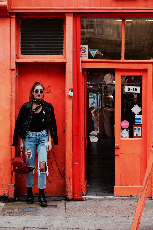 Top: Brandy Melville // Jacket: Zara , Scarf: Vintage // Jeans: Pull&Bear // Boots: Dr Martens // Sunglasses: Warby Parker // Backpack: Forever21