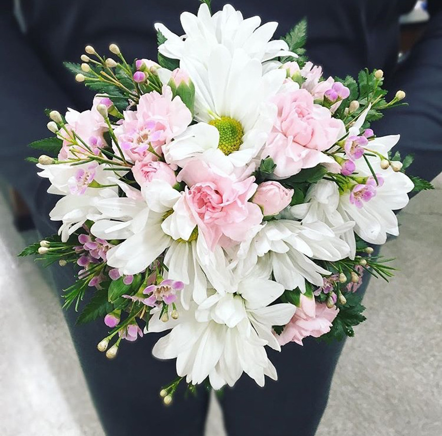 pink_white_bouquet.jpg