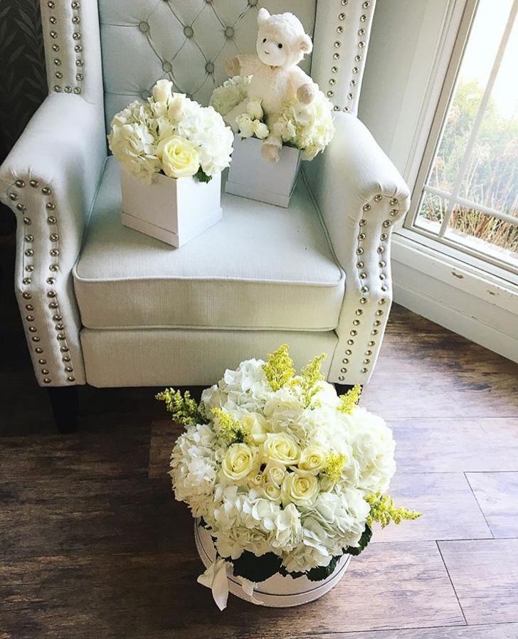 whitefloralarrangements_mckenziechic3.jpg