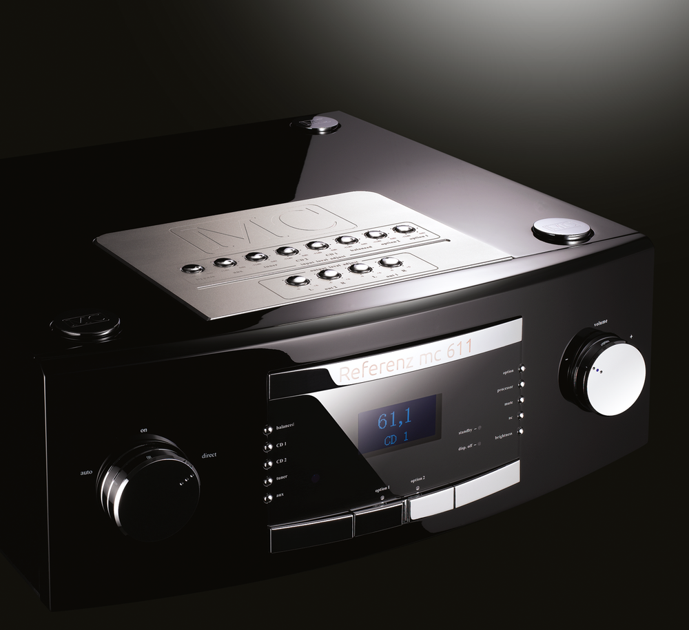 MC 611 - Preamplificatore Reference Predisposto per ospitare 2 slot opzionali per Phono e CD Direct.