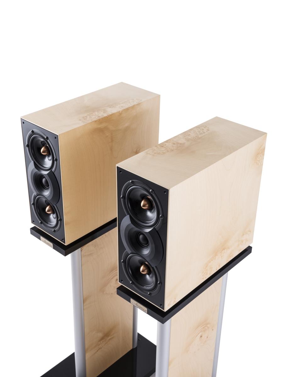 Fidelio II  MK3 - Efficienza: 87dB / WmImpedenza: 8 ΩAmplificatore raccomandato minimo 25 WDimensioni (A x L x P): 320 x 140 x 360 mm