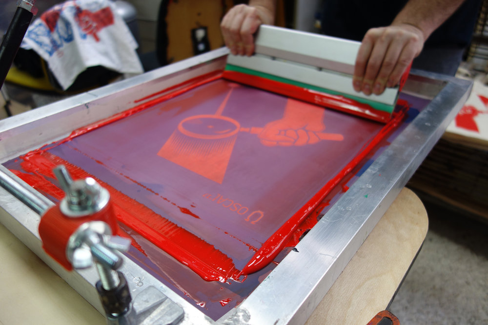 MONDAY 26TH March 10.00–12.00PM, 2.00–4.00PM - Taking inspiration from the theme 'Paradise Lost, Paradise Regained' create a colourful monoprint work by painting directly on to the screen mesh and onto the surface below. Participants will be guided through the process, making their own unique artworks. 12 participants per workshop