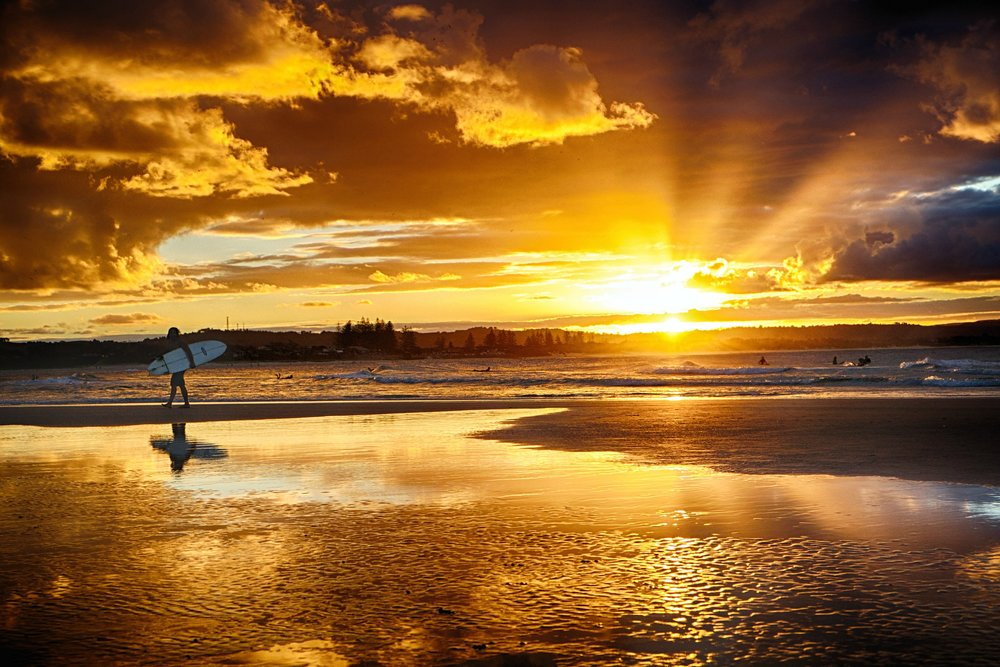 sunset-surfers-byron-bay-nature.jpg