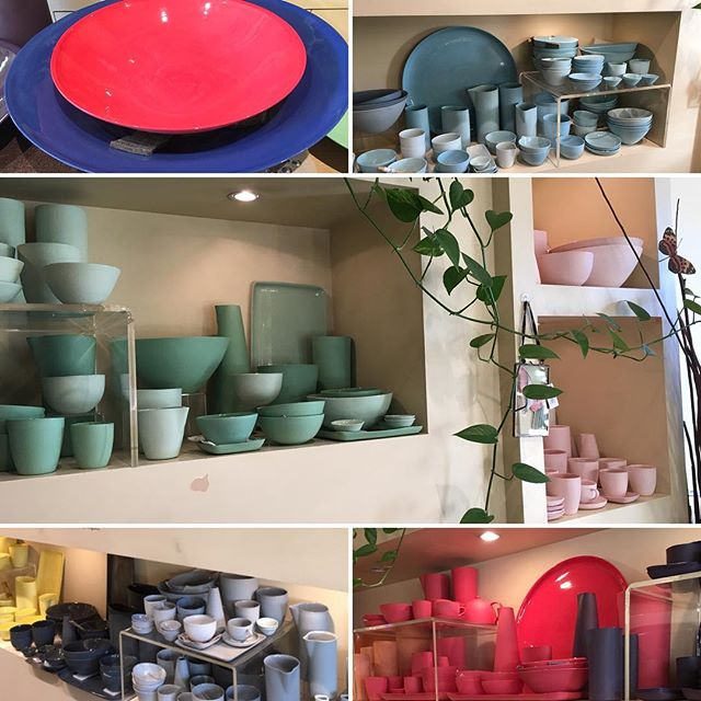 Looking for beautiful & colourful tableware ? Think @mudaustralia amazing colour palette to create chic & unique decor. Each piece is made in Sydney using porcelain clay directly sourced from Limoges ( France) + all glazes and porcelain bodies are NON TOXIC ‼️👌👍🏼👩🏻‍🎨♻️✅ . . . . #safe #home #beautiful #unique  #tableware#made#in#sydney  #nontoxic#love#your#interior #makeitgreat#interiordesign  #interiordecorator#interiorstylist