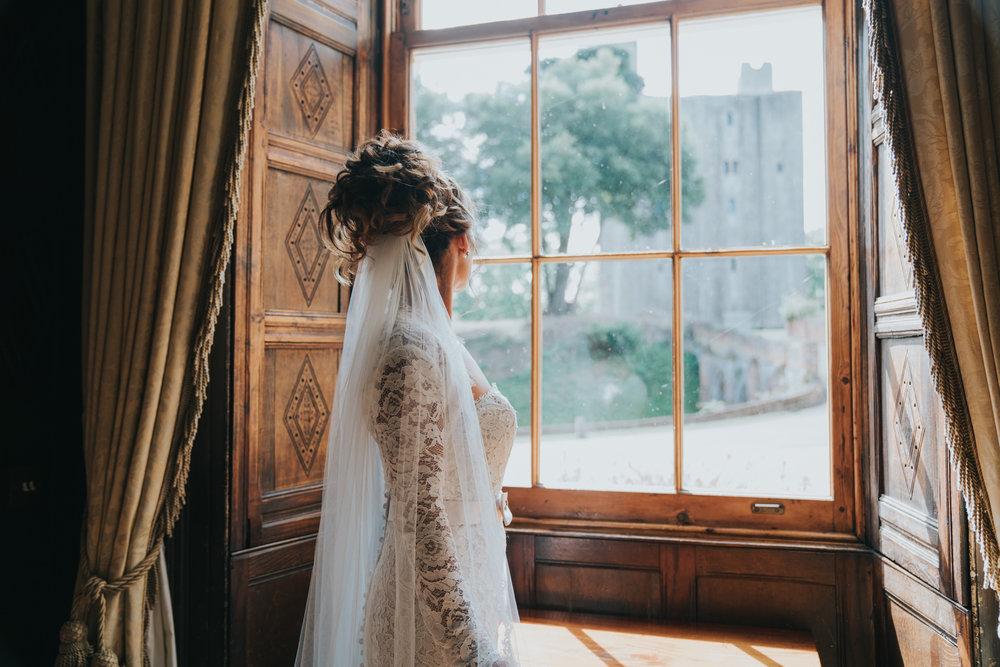 grace-elizabeth-boho-wedding-headingham-castle-essex-wedding-photographer-17.jpg