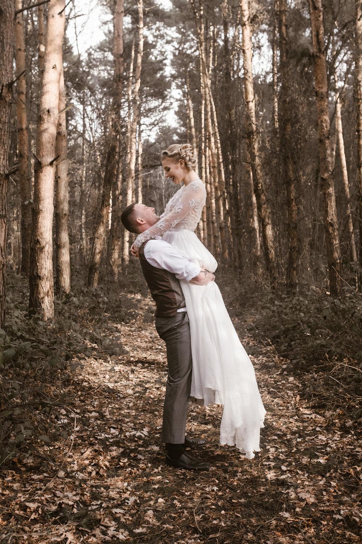 Captains-Wood-Barn-Alterative-Rustic-Vintage-Essex-Wedding-Suffolk-Grace-Elizabeth-50.jpg