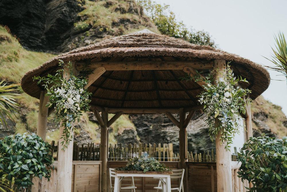 john-amy-relaxed-beach-wedding-tunnels-beaches-ilfracombe-north-devon-grace-elizabeth-colchester-essex-alternative-relaxed-wedding-photography-devon-suffolk-norfolk-essex (23 of 159).jpg