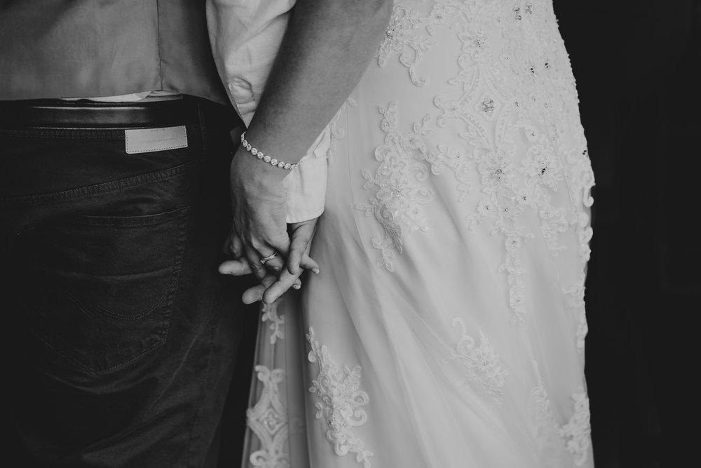 john-amy-relaxed-beach-wedding-tunnels-beaches-ilfracombe-north-devon-grace-elizabeth-colchester-essex-alternative-relaxed-wedding-photography-devon-suffolk-norfolk-essex (90 of 159).jpg