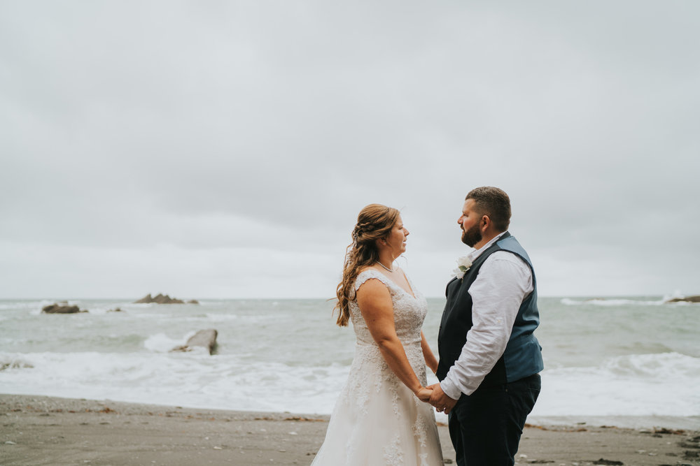 john-amy-relaxed-beach-wedding-tunnels-beaches-ilfracombe-north-devon-grace-elizabeth-colchester-essex-alternative-relaxed-wedding-photography-devon-suffolk-norfolk-essex (95 of 159).jpg