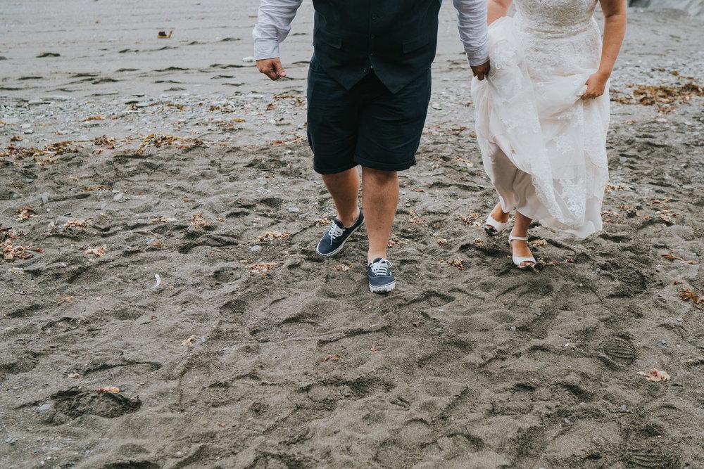 john-amy-relaxed-beach-wedding-tunnels-beaches-ilfracombe-north-devon-grace-elizabeth-colchester-essex-alternative-relaxed-wedding-photography-devon-suffolk-norfolk-essex (140 of 159).jpg